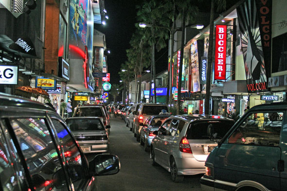 kuta-by-night
