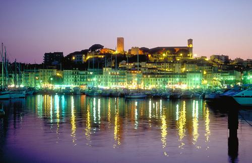 Cannes, le port le soir
