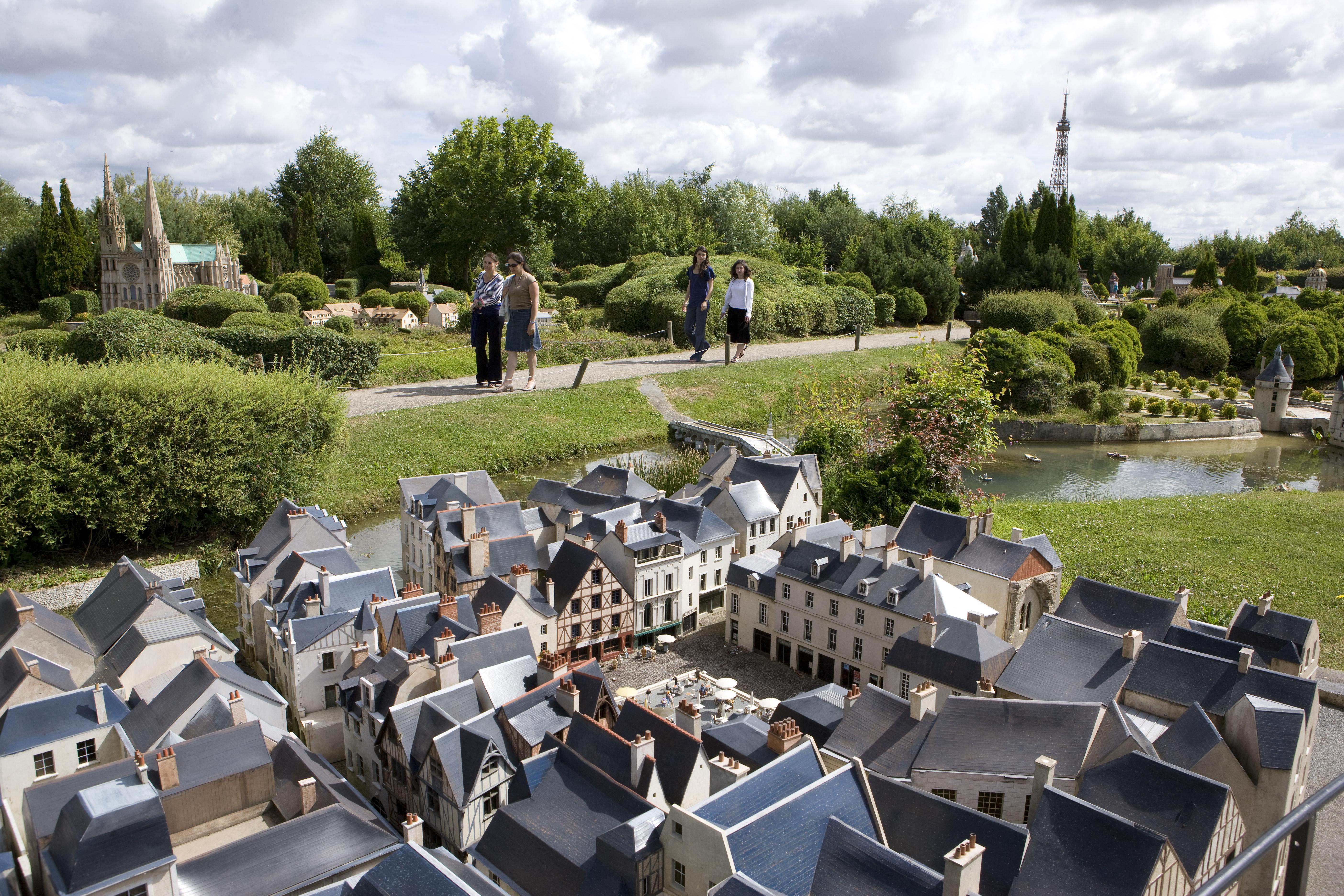 M0R2583 Лучшие места отдыха для детей во Франции