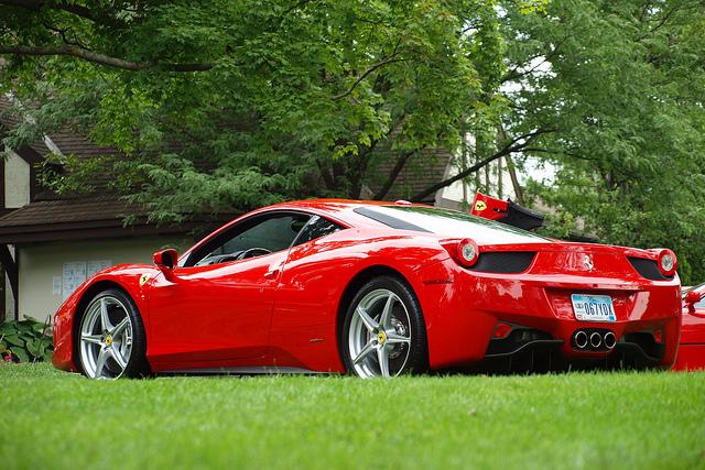 Ferrari италия red tour на ferrari путешествие в
