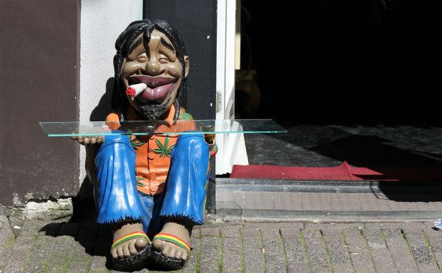 В Нидерландах закрывают coffee shop
