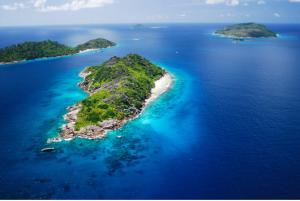 путешествие по островам с Ла Диг