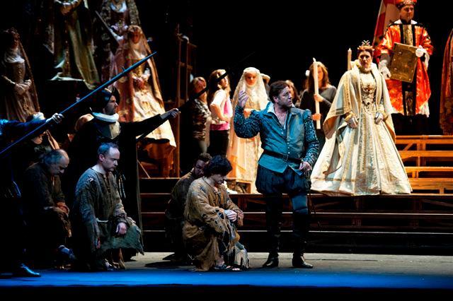 Teatro Comuna le Luciano Pavarotti