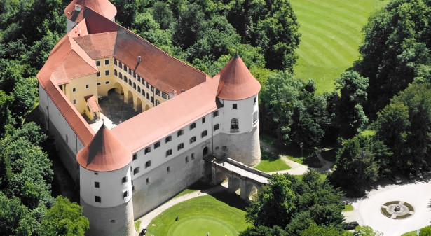 Golf Castle Mokrice
