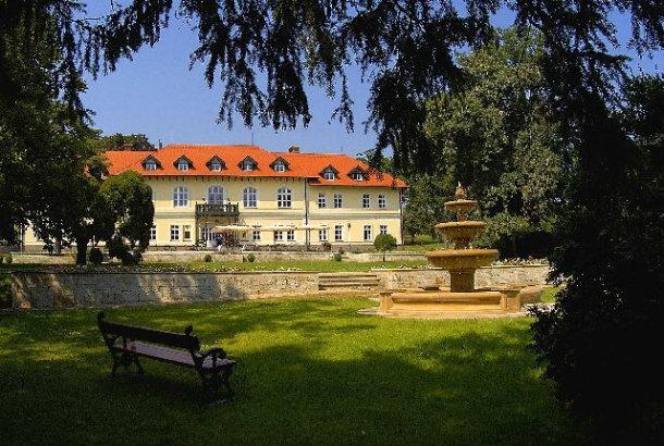 Grof Degenfeld Castle