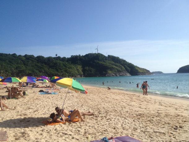 Зонтики и лежаки в Тайланде 2015